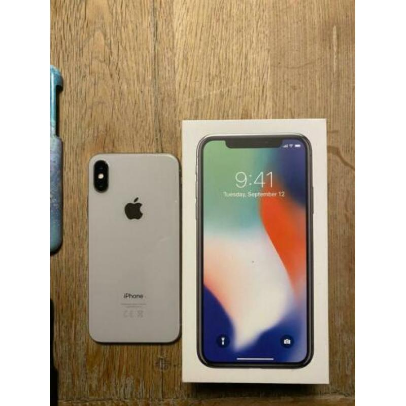 Apple iPhone X 64Gig + 8 iDeal of sweden IN PERFECTE STAAT